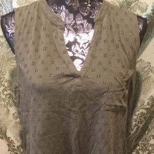 Liz Claiborne 100% Cotton Olive V-neck Tank, L